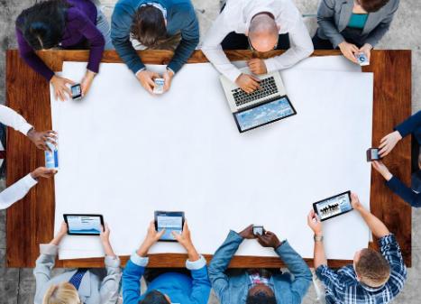 在线学习系统开发的主要影响要素是什么