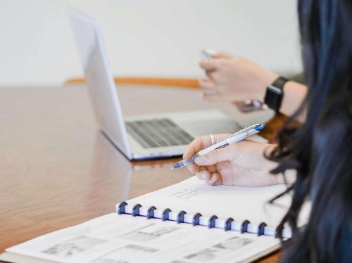 企业教育培训软件如何配合企业经营管理